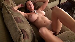 Amazing mature mom Julie with big tits (FullHD)