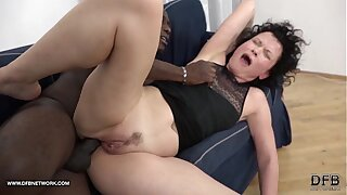 Adult SQUIRTS and goes Crazy undeviatingly fucked unconnected with black man with his big cock