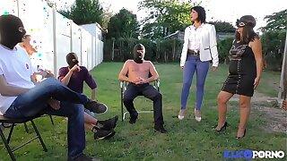 Sophie, full-grown masquée pour baise à la chaîne [Full Video]