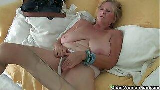 Euro granny Tarra dildos her over 70 genre elderly cunt
