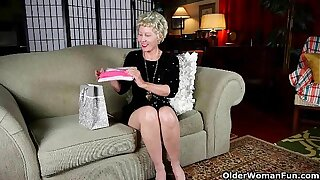 Mom's new pantyhose gets her hither the mood