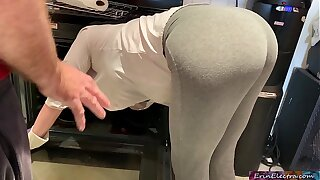 Stepmom is horny and stuck at hand the oven - Erin Electra