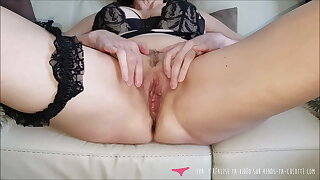 Vends-ta-culotte - French MILF Masturbates Pussy Close Up