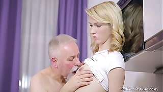 Aged Goes Young - Sexy Helena blows old goes young