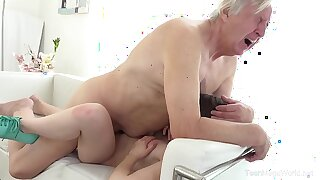 Old-n-Young.com - Luna Rival - Old defy makes sweetie kneel