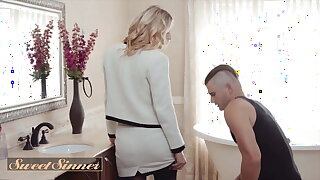 Nathan Bronson And Mona Wales Fuck Each Other Nice And Stall