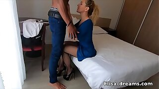 Hotwife gets bore fucked by a new lover