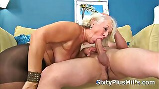 Mature Lady Gets Banged by a Youthful Cock