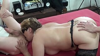 Mature wife fucks with her scrimp and friend