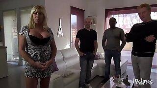 Emmanuelle, mature sexy veut increased by de bite