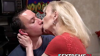 Blonde GILF in saggy tits Nanney banged by wood hard cock